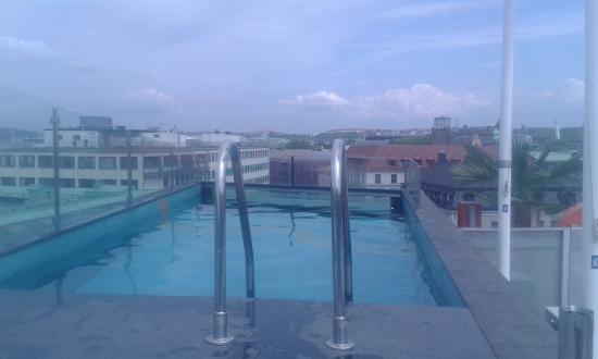 Avalon Hotel: Piscina sul tetto
