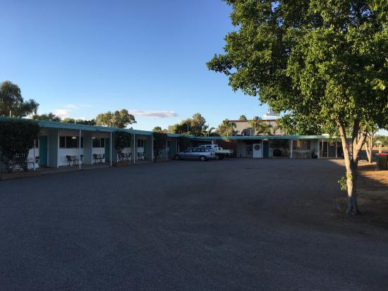 Fourth Ave Motor Inn: photo1.jpg