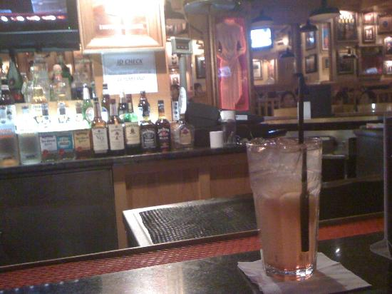 Hard Rock Cafe: iced tea at counter