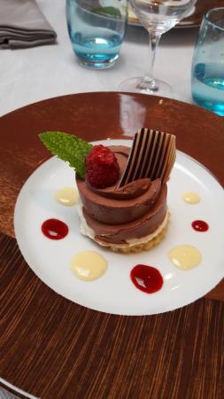 """Fouesnant, Frankrike: dessert: Dessert """"Gwen Ha Du"""""""