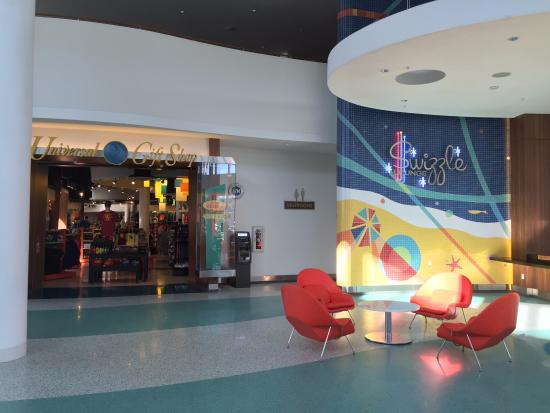 Universal Gift Shop and Swizzle Bar - Picture of Universal's ...
