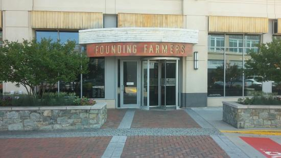 Potomac, MD: Founding Farmers Entrance