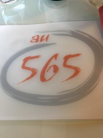 Au 565