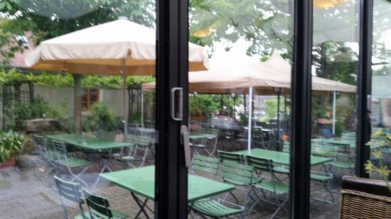 Dettelbach, Duitsland: Blick auf den Biergarten