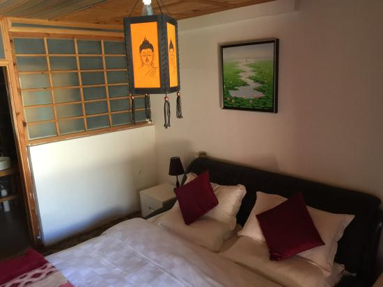 Zhenshui Renjia Inn