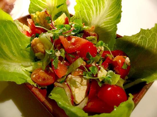 Steer Bar & Grill: Salad