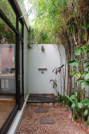 Heritage Suites Hotel Outdoor Shower In Bungalow Suite