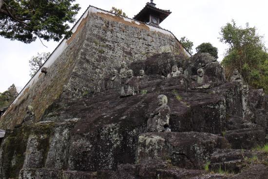 Jurokurakan at Kannoji Temple