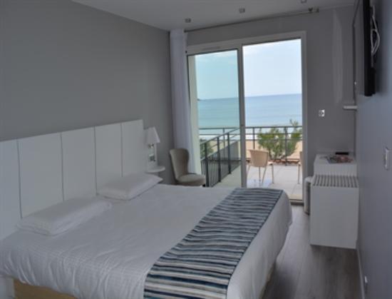 Photo of Hotel Valencia Hendaye