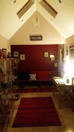 Rennie Rose Guest House: 20160526_222322_large.jpg
