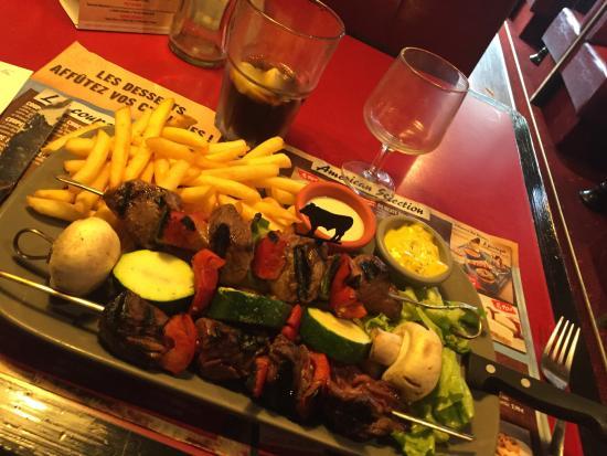 Vitrolles, Francia: Viande très bonne. Plats copieux et bons.