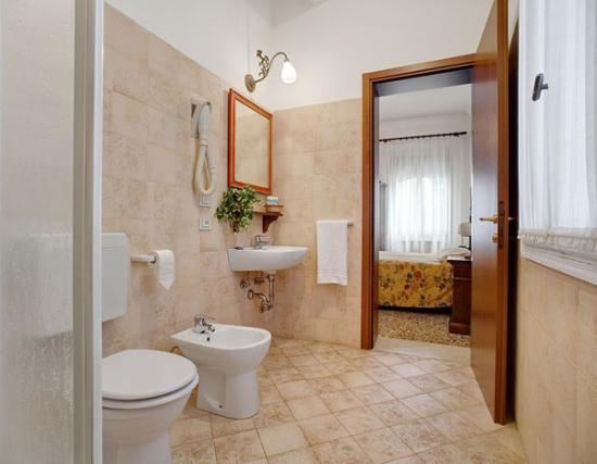 Casa Rezzonico: bagno