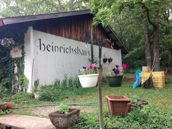 Saint James, MO: Heinrichshaus is a wonderful place to spend an afternoon.