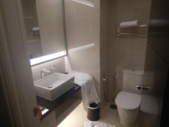 Wastafel en toilet picture of vistana kuantan city centre