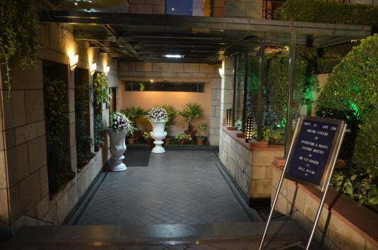 Hotel City Park : Entrance to Ball room