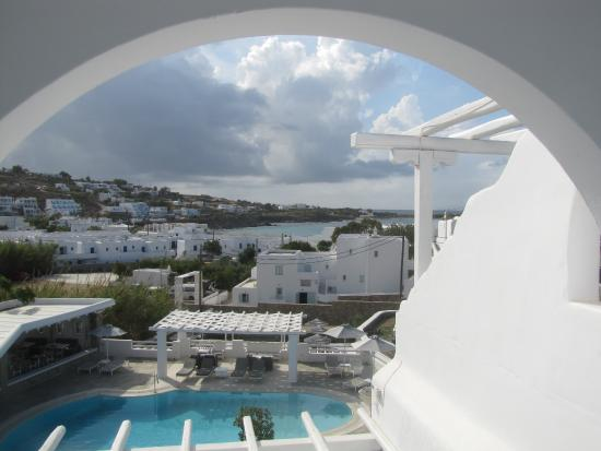 Argo Hotel Mykonos: A view from a top-floor room over the pool to the sea.