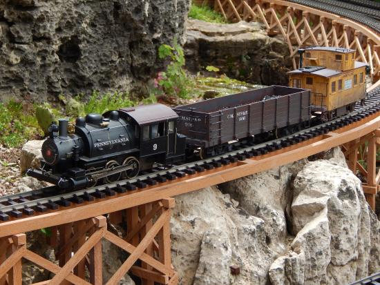 Valparaiso, IN: One of the many trains rolling around the display