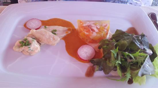 Amerang, Deutschland: Bouillabaisse-Sülze mit Rieslingsgelee und mariniertem Renkenfilet mit Wenger Blattsalaten