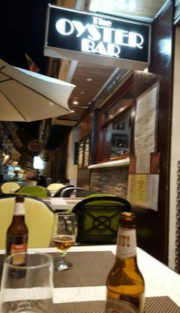 The Oyster Bar: Great Irish pub.