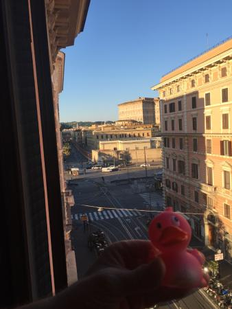 Le Suite di Via Ottaviano: this was our view from the window to Vatican