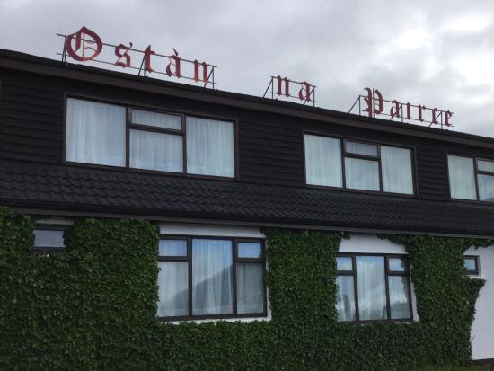 Park Lodge Hotel: Begrünte Außenansicht
