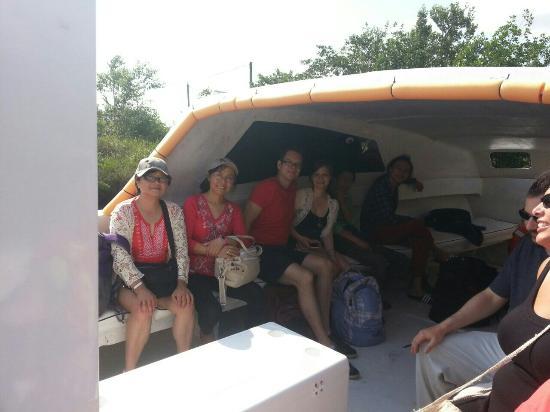 Ladyville, Belice: Nautilus Express Water Taxi
