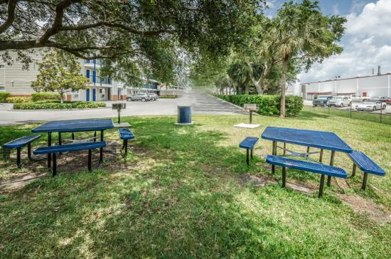 Tampa Bay Extended Stay Hotel Largo Fl