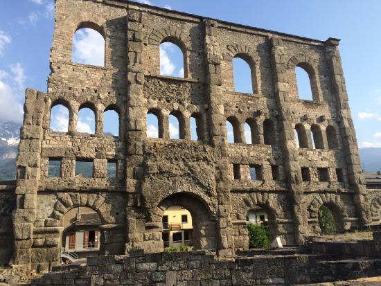 Teatro Romano di Aosta - Picture of Teatro Romano, Aosta - TripAdvisor