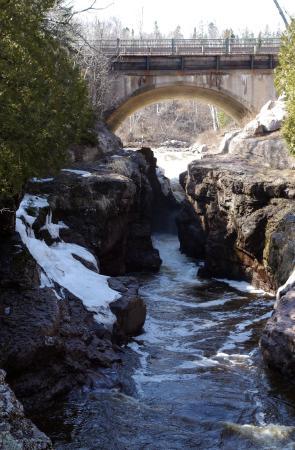 Schroeder, MN: Up river