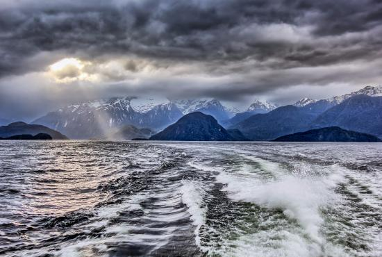 Crossing Lake Manapouri on the Return