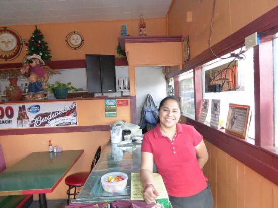 Lakeview, OR: Our sweet waitress