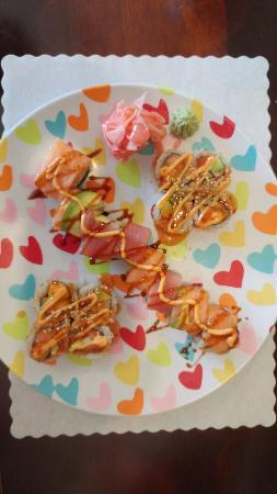 Ishikawa : Spicy Salmon Roll and Rainbow Roll