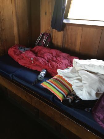 Steep Ravine Cabins: single platform bed