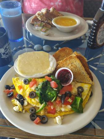 Sanibel Cafe : Greek Omelet with Cheese Grits & Rye Toast