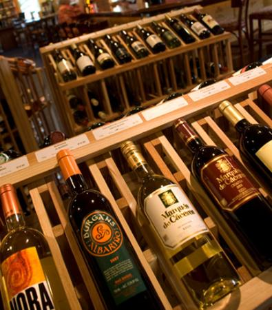 Wine With Me: Over 600 wines from around the world--nearly 200 priced at under $12