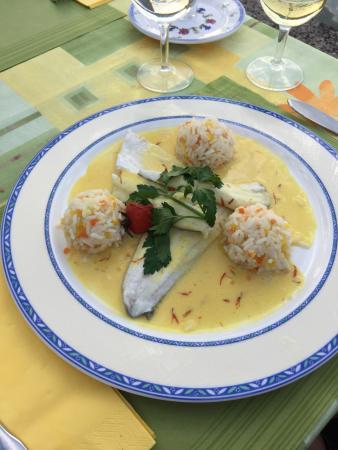 Frohsinn Hotel Restaurant: Abendessen auf der Terrasse