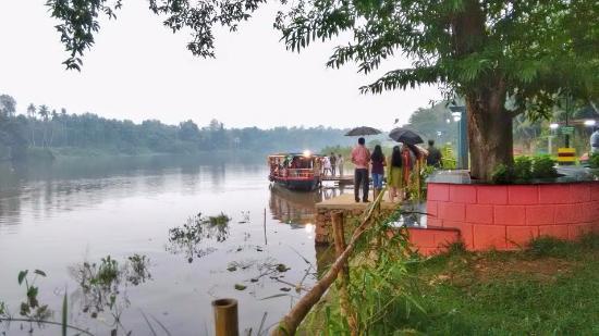 Kuttanad, Ινδία: Boating