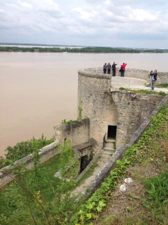 Blaye, Fransa: It was possible to walk along the ramparts of the citadel