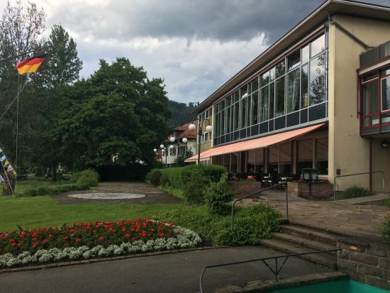 Eberbach, ألمانيا: Außenansicht auf die Terrasenflächen des Restaurants (Neckarblick)
