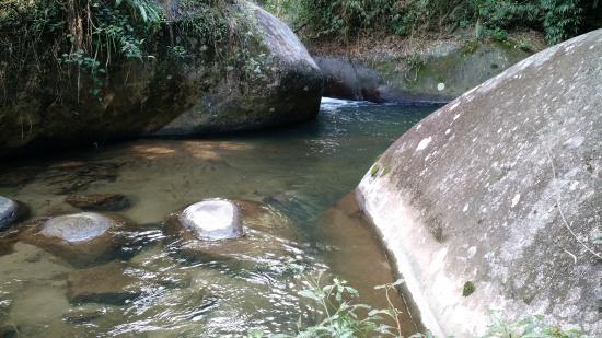 Pousada Jardim Real : Cachoeira dentro da propriedade