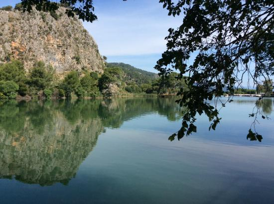 Club Alla Turca: 10 minute walk in opposite direction to Dalyan