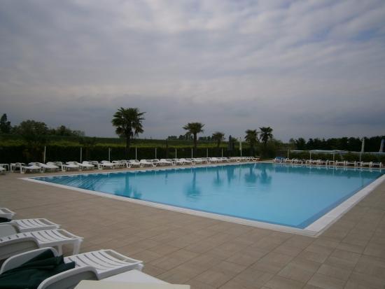 Tessera, Italia: piscine