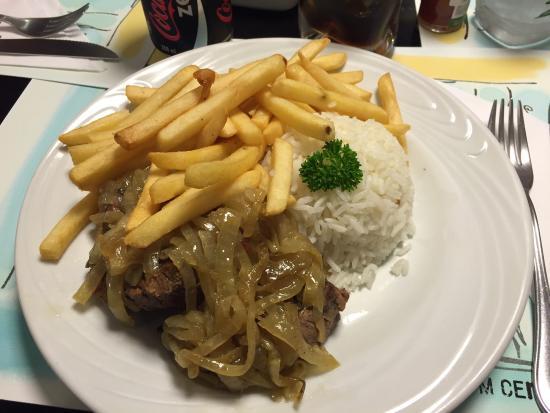 Photo of Brazilian Restaurant Dois em Cena at Av. Lauro Muller, 116, Rio de Janeiro 22290, Brazil
