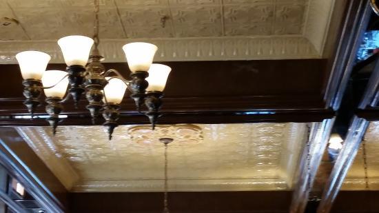 The Parlour : ceiling