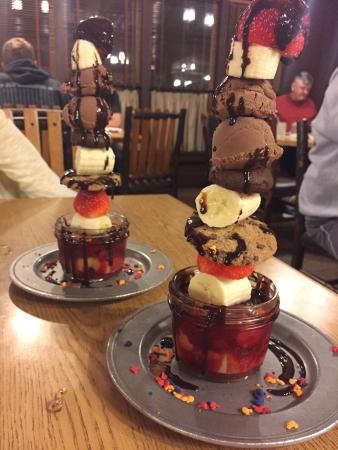 Trail's End Restaurant: Chef TJ Makes AWESOME GF + Vegan Foods!!! :)