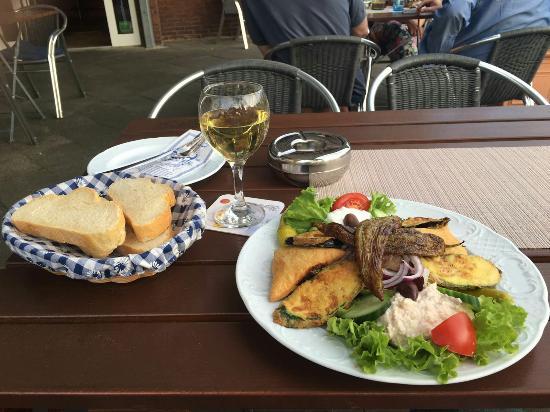 อาร์คานเจลอส, กรีซ: Hellas Taverna