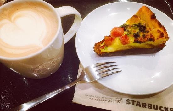 Starbucks Coffee Kokurakyomachi