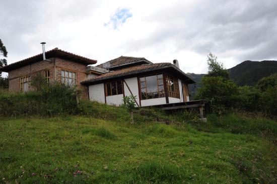 Casa Mojanda: Cottage #6. 2 bedrooms, sleeps 8. 1 bathroom, Kitchen and sitting room.