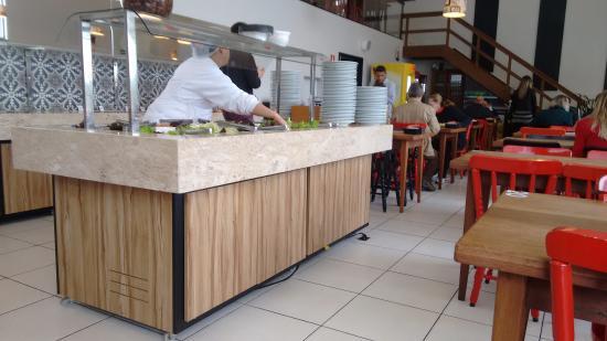 Lajeado, RS: buffet de saladas