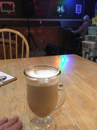 Cannon Mine Coffee : Live music